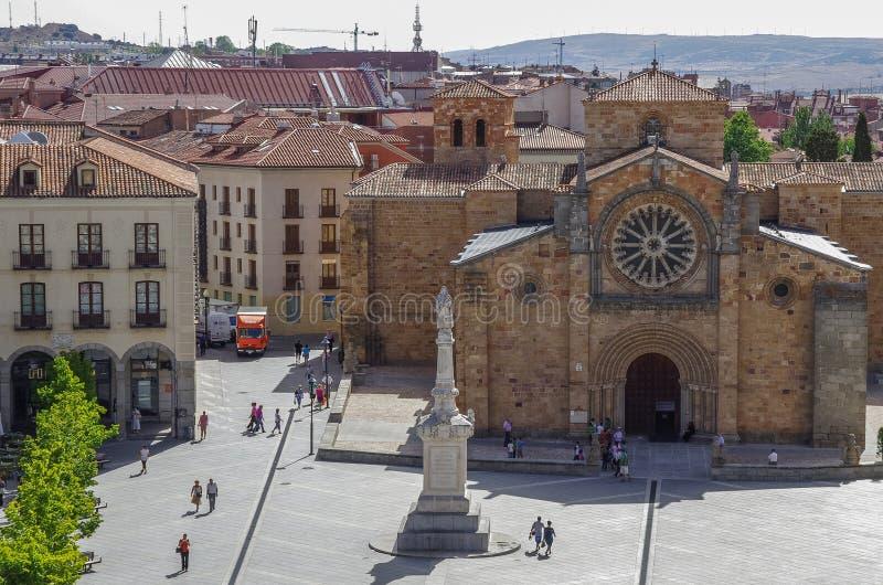 阿维拉,西班牙- 2012年8月23日:教会阿维拉圣佩德罗火山在med 图库摄影
