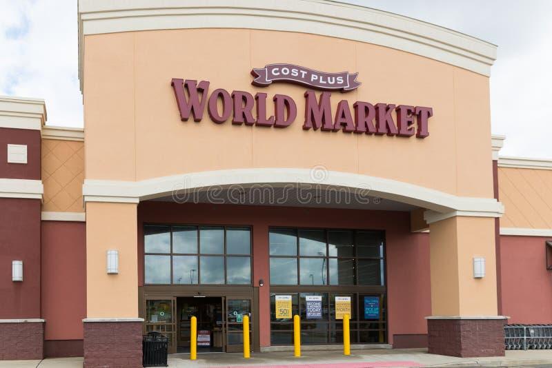 附加成本世界市场是专业进口零售店链子  库存图片