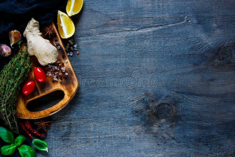 附加芳香烹调要素食物草本成份自然选择香料 免版税库存图片