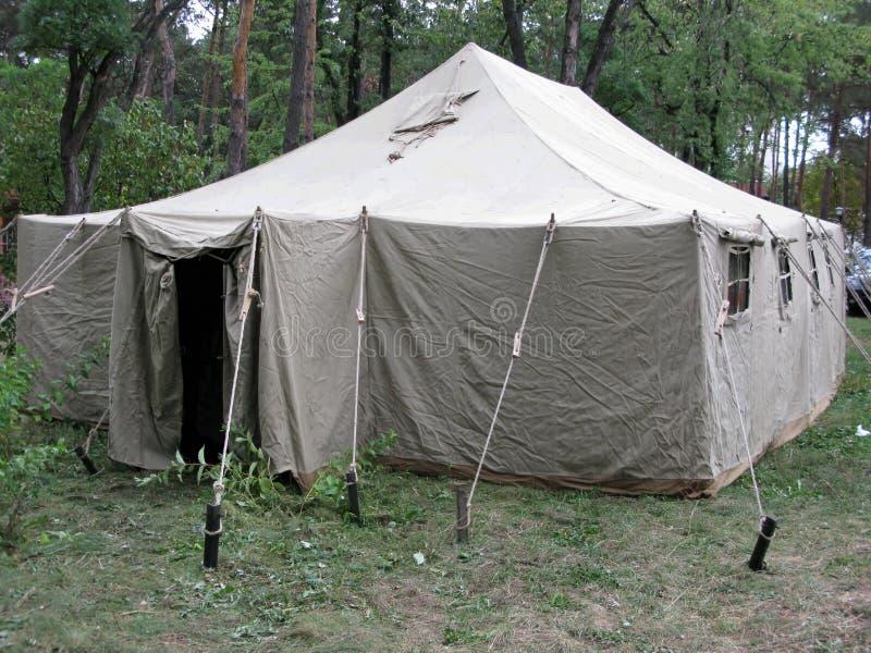 陆军帐篷木头 图库摄影