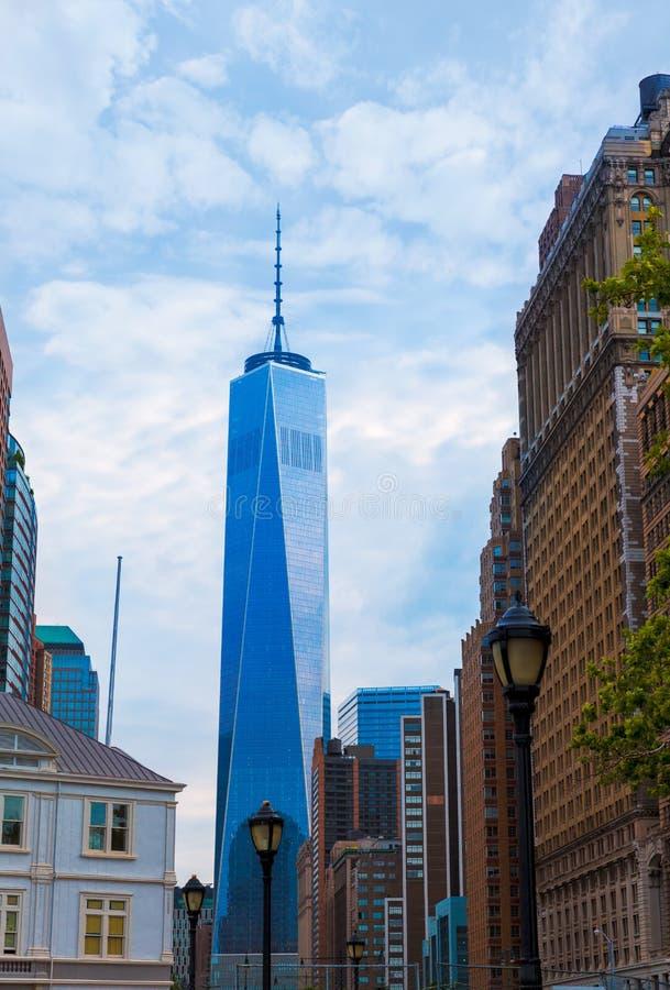 降低有谨慎塔的纽约曼哈顿 库存照片
