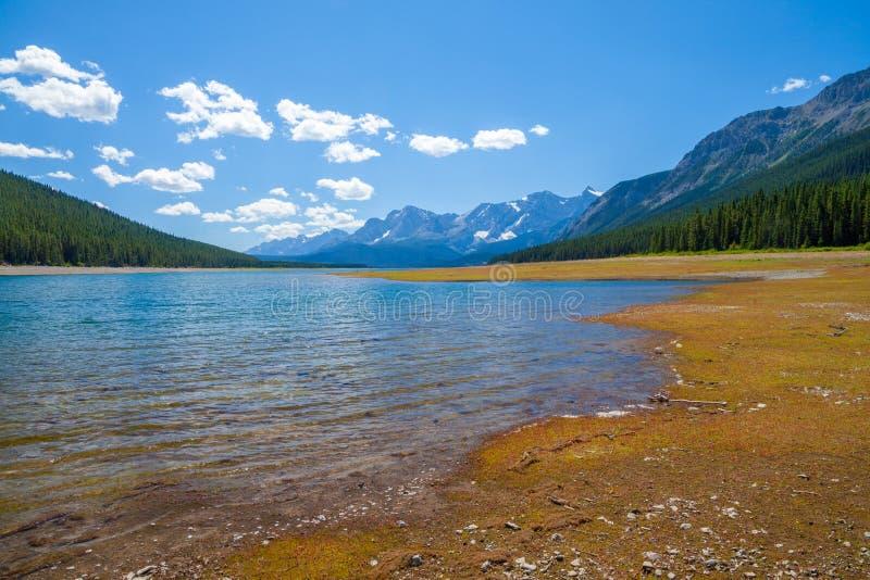 降低Kananaskis湖在一个温暖的夏日 库存图片