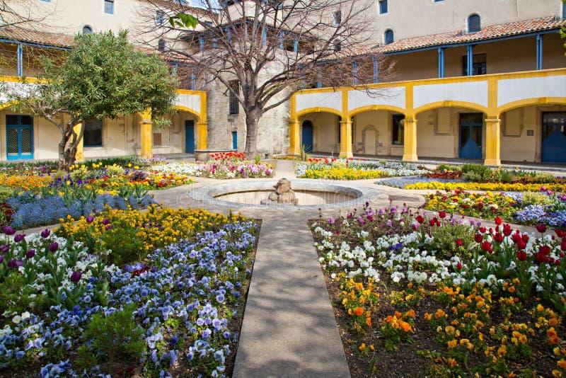 医院阿尔勒法国的庭院 图库摄影