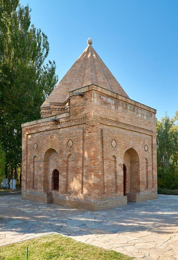 陵墓Babadji-hatum 一个丝绸方式哈萨克斯坦 免版税库存照片