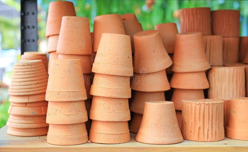 陶器黏土 植物赤土陶器的花盆 免版税库存图片