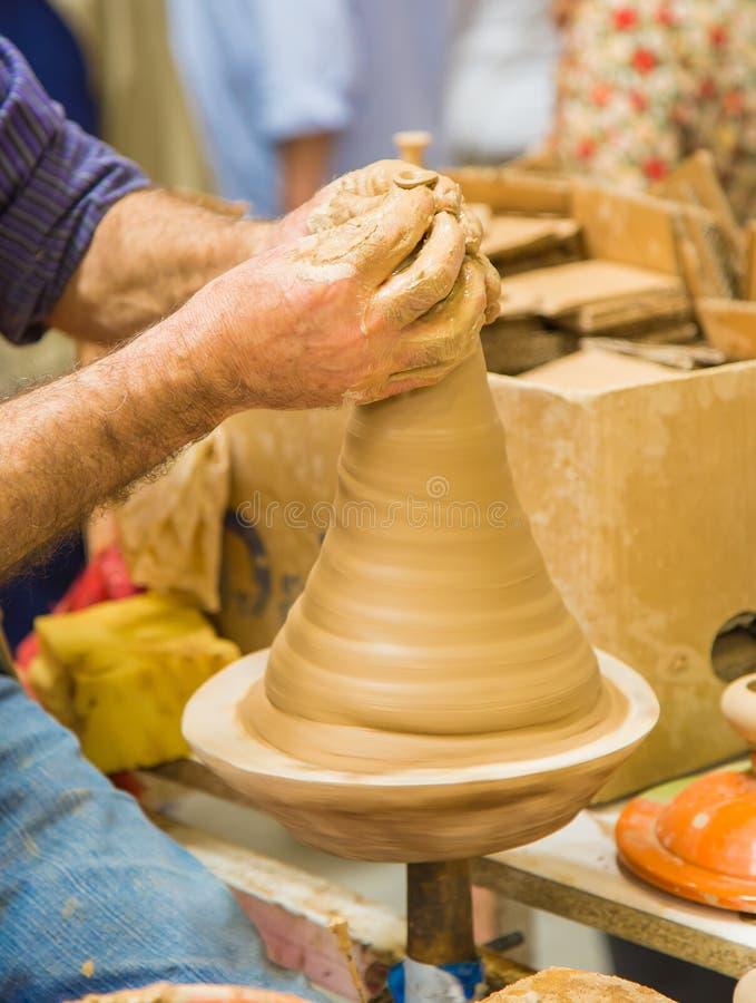 陶瓷工` s轮子 库存图片