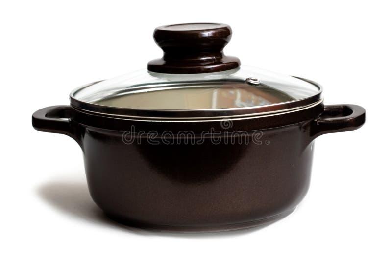 陶瓷平底深锅关闭,在白色背景的孤立 免版税库存照片