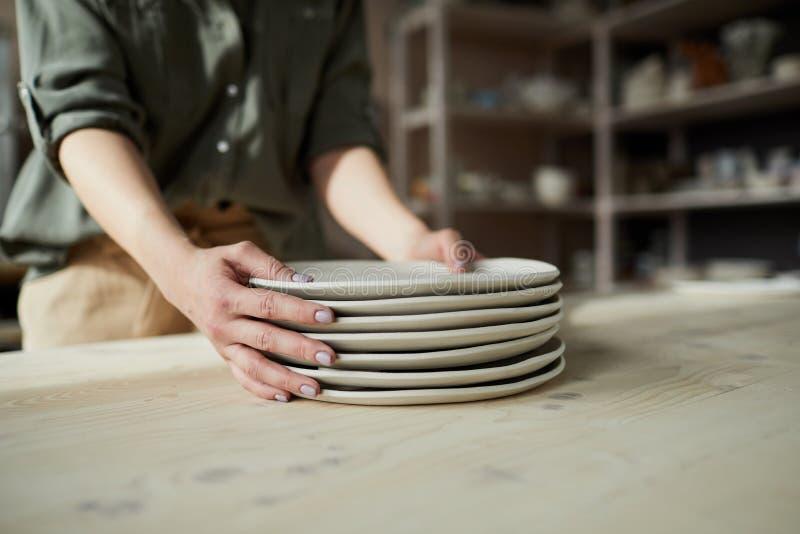 陶瓷技师特写镜头 免版税库存照片