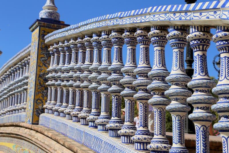 陶瓷桥梁在Plaza de Espanain--塞维利亚,安大路西亚,西班牙 老地标 图库摄影