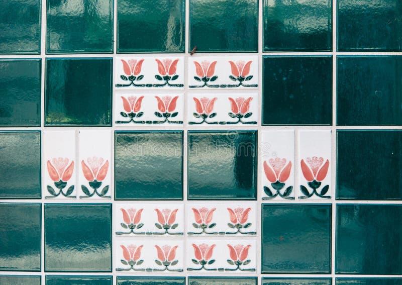 陶瓷砖围住装饰 免版税库存图片
