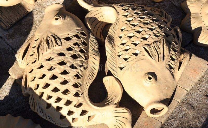 陶瓷罐,瓶子黏土开花, Thanh Ha工艺品村庄,会安市,越南 免版税库存照片