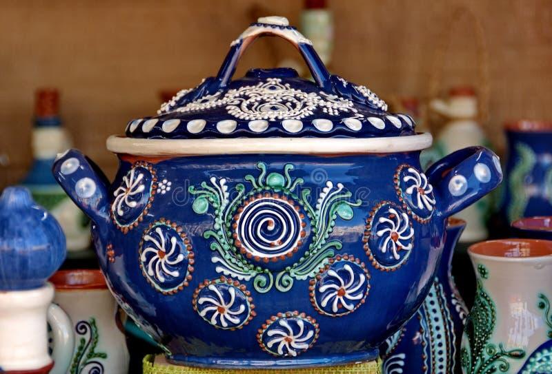 陶瓷从罗马尼亚 传统罗马尼亚语色的瓦器 库存图片