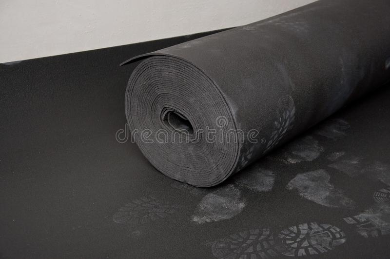 隔音材料,放置在地板在concreting前 库存图片
