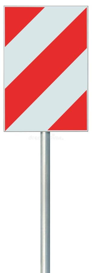 障碍改道障碍在杆岗位,红色,白色对角镶边垂直的交通安全警告标志的路标,被隔绝 免版税库存图片