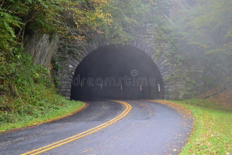 隧道在阿巴拉契亚山脉 库存图片