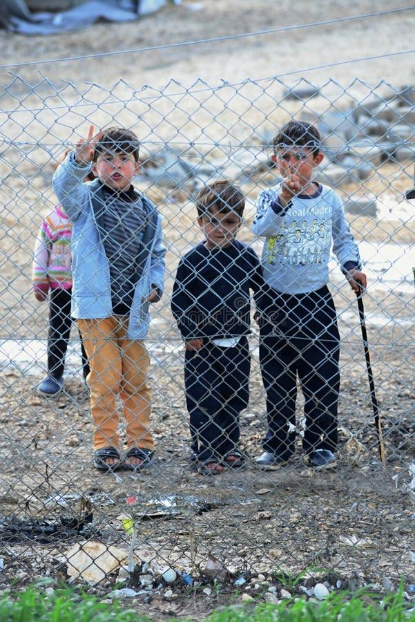 难民营的人们 免版税库存照片