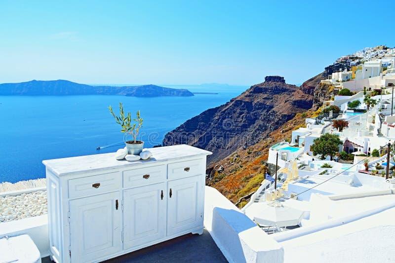 雄伟外型白色房子细节圣托里尼破火山口 免版税库存图片