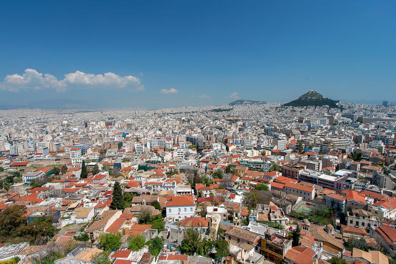 雅典和Lykavitos小山从上城,雅典,希腊 免版税图库摄影