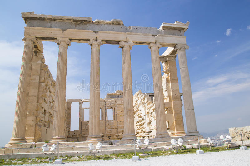 雅典娜古庙在雅典 库存图片