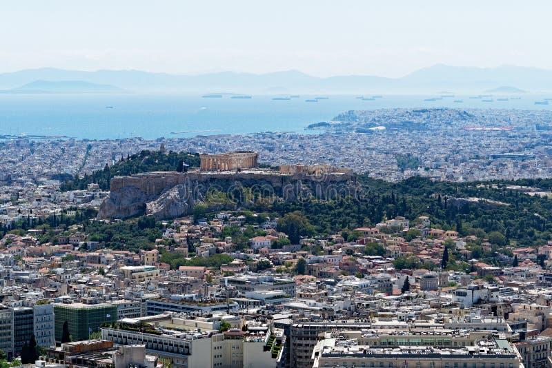 雅典市和上城看法从吕卡维多斯,希腊 免版税库存图片