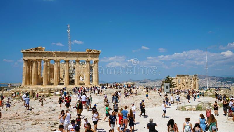 雅典,希腊2018年7月18日:帕台农神庙古老的废墟  库存图片