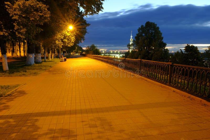 雅罗斯拉夫尔市夜 免版税库存照片