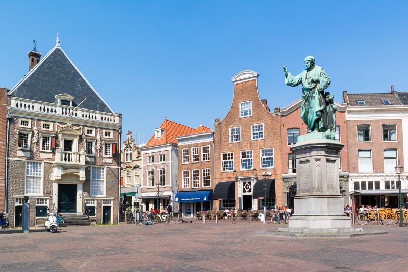 集市广场的,哈莱姆,荷兰历史的房子 免版税库存照片