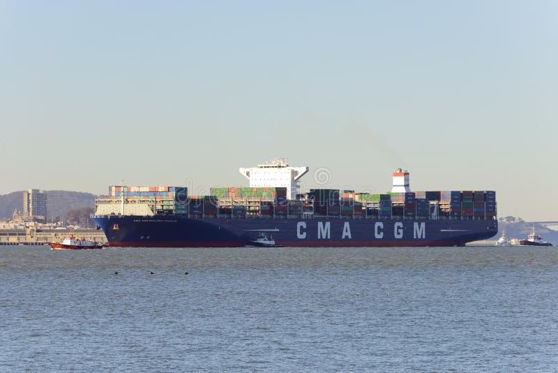 集装箱船本杰明・富兰克林在旧金山 免版税库存图片