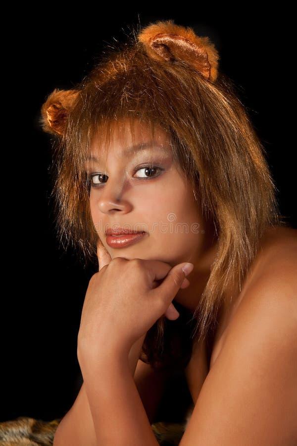 雌狮妇女 免版税图库摄影
