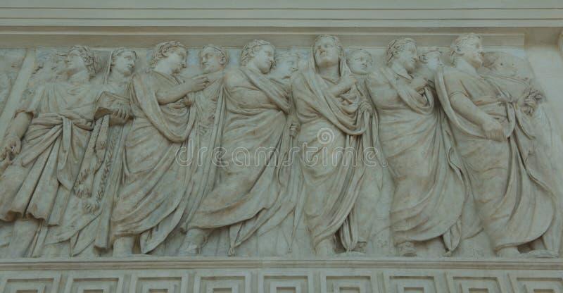 雕刻修改和平在罗马 库存图片