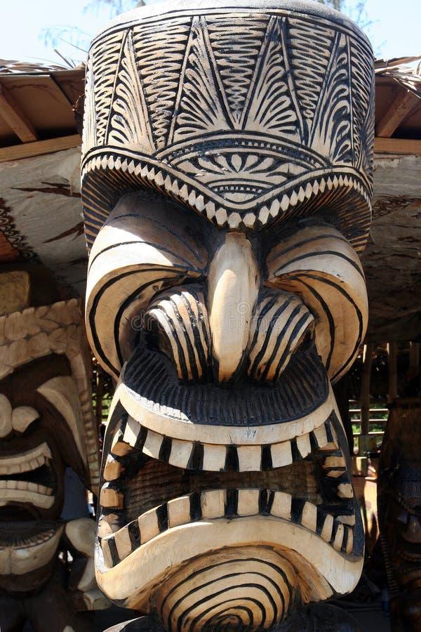 雕刻夏威夷图腾 免版税图库摄影