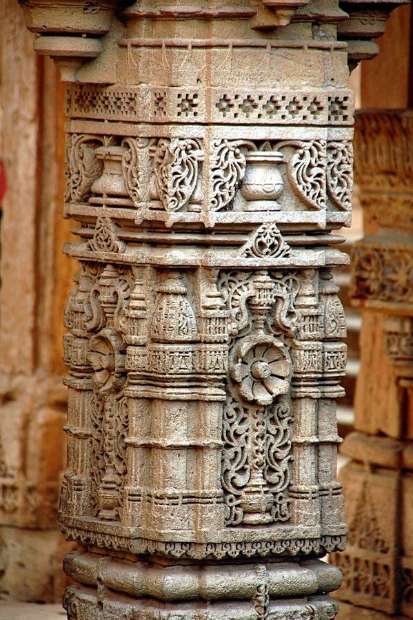 雕刻柱子石头 免版税库存图片