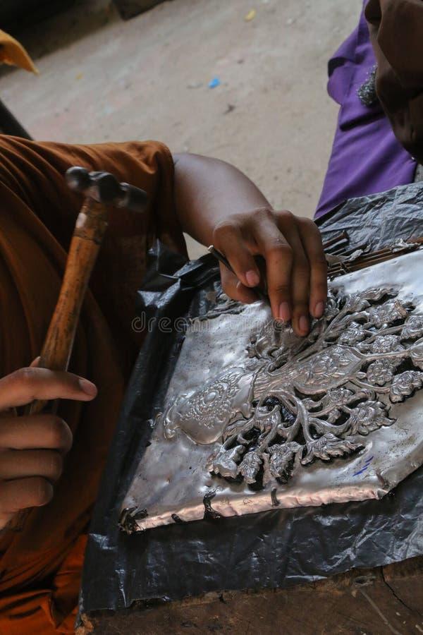 雕刻银器,清迈,泰国 库存照片
