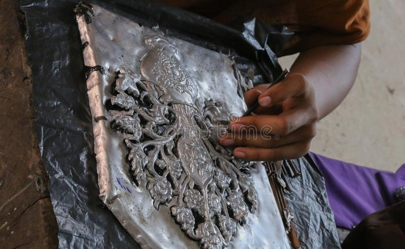 雕刻银器,清迈,泰国 免版税库存照片