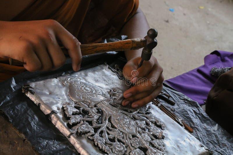 雕刻银器,清迈,泰国 免版税图库摄影