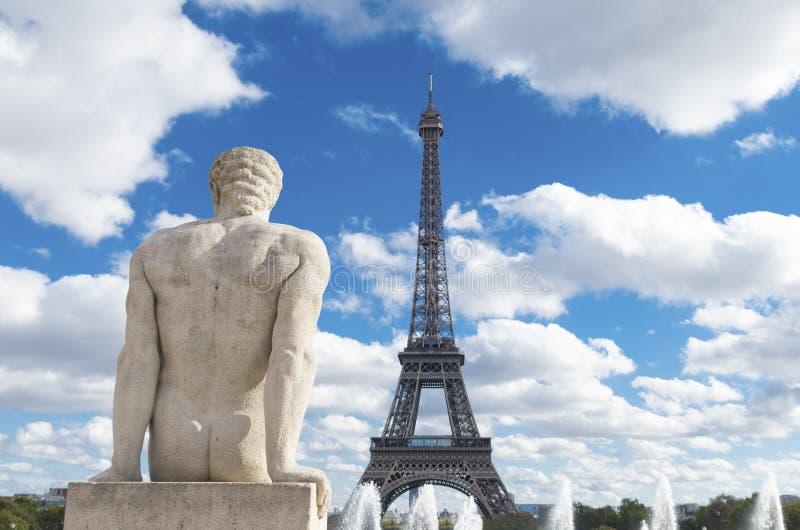 雕塑在巴黎 免版税库存照片