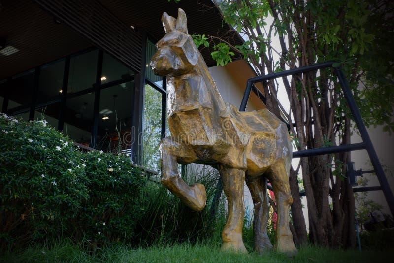 雕象做了马 图库摄影