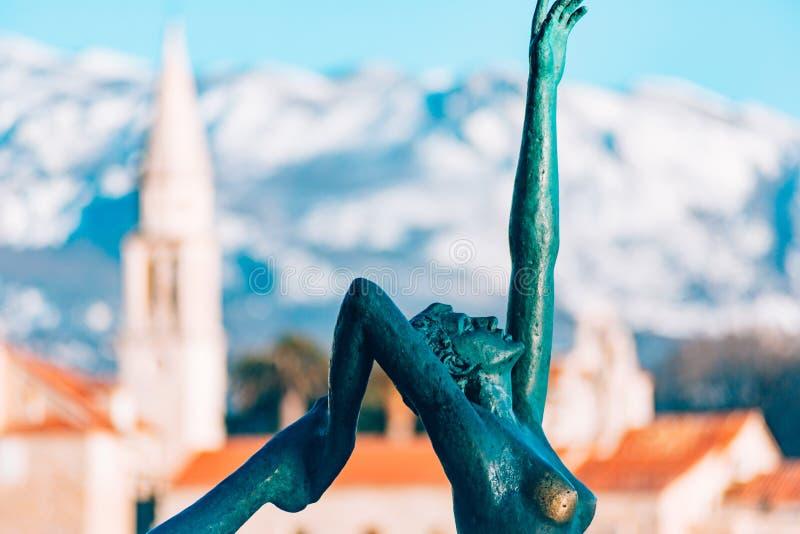 雕象舞蹈家,芭蕾舞女演员在布德瓦,黑山 库存照片