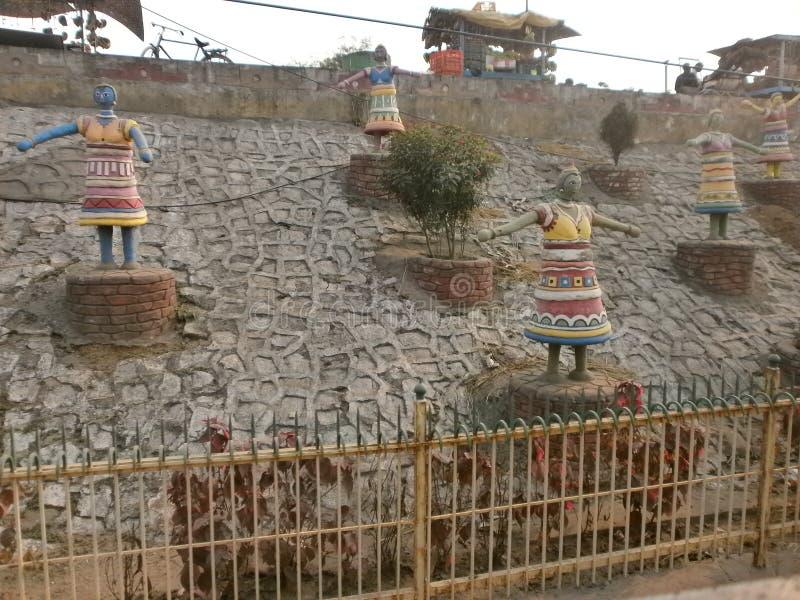 雕象跳舞雕象tradittional的姿势纪念碑 库存照片