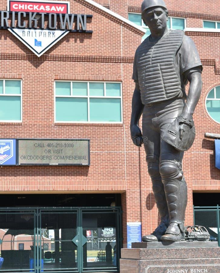 雕象,约翰尼长凳Bricktown球场,俄克拉何马市 免版税库存照片