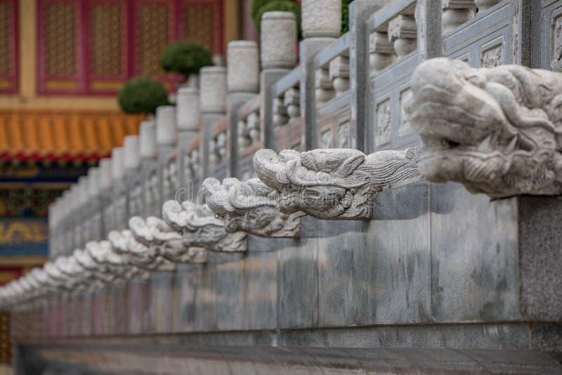 雕刻在石头的龙 免版税库存照片
