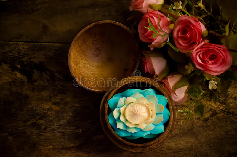 雕刻花的肥皂 免版税库存照片