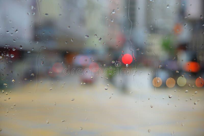 雨下落和Bokeh 库存照片
