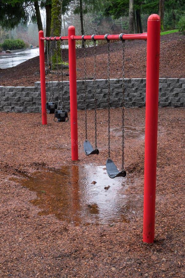 雨天在公园 库存照片
