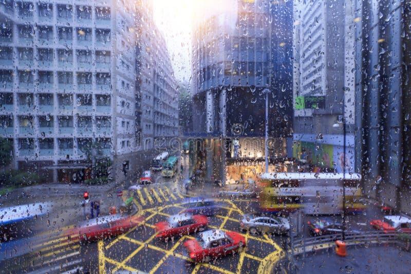 雨天,繁忙的路在香港 免版税库存图片