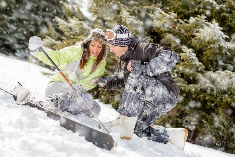 滑雪事故 免版税库存照片