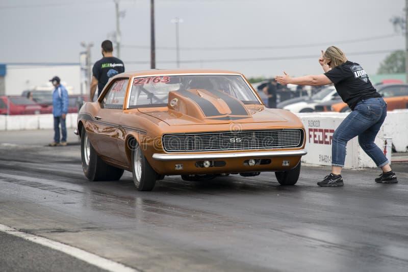 雪佛兰Camaro准备好阻力的汽车开始 免版税库存图片