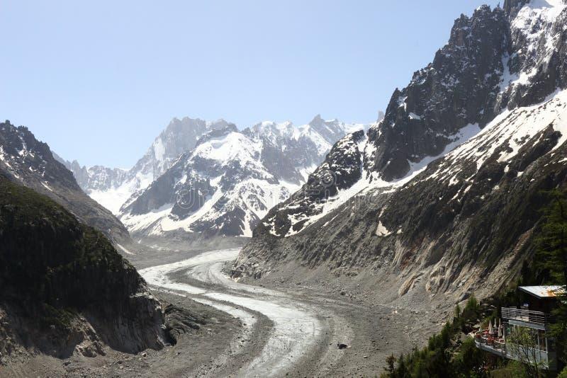 雪和冰川覆盖的法国勃朗峰断层块 库存图片