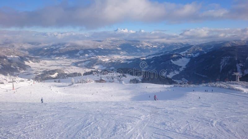 雪和山 免版税图库摄影