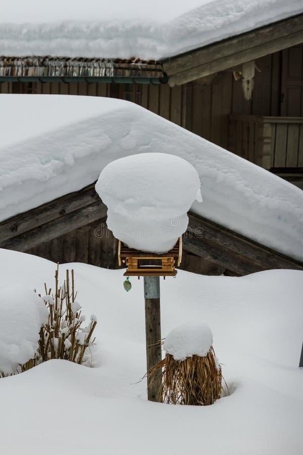 雪多的房子,巴伐利亚,阿尔卑斯山 库存照片